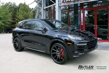 Porsche Cayenne with 22in Savini BM15 Wheels
