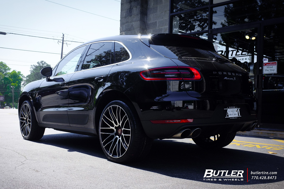 Porsche Macan with 22in Savini BM13 Wheels