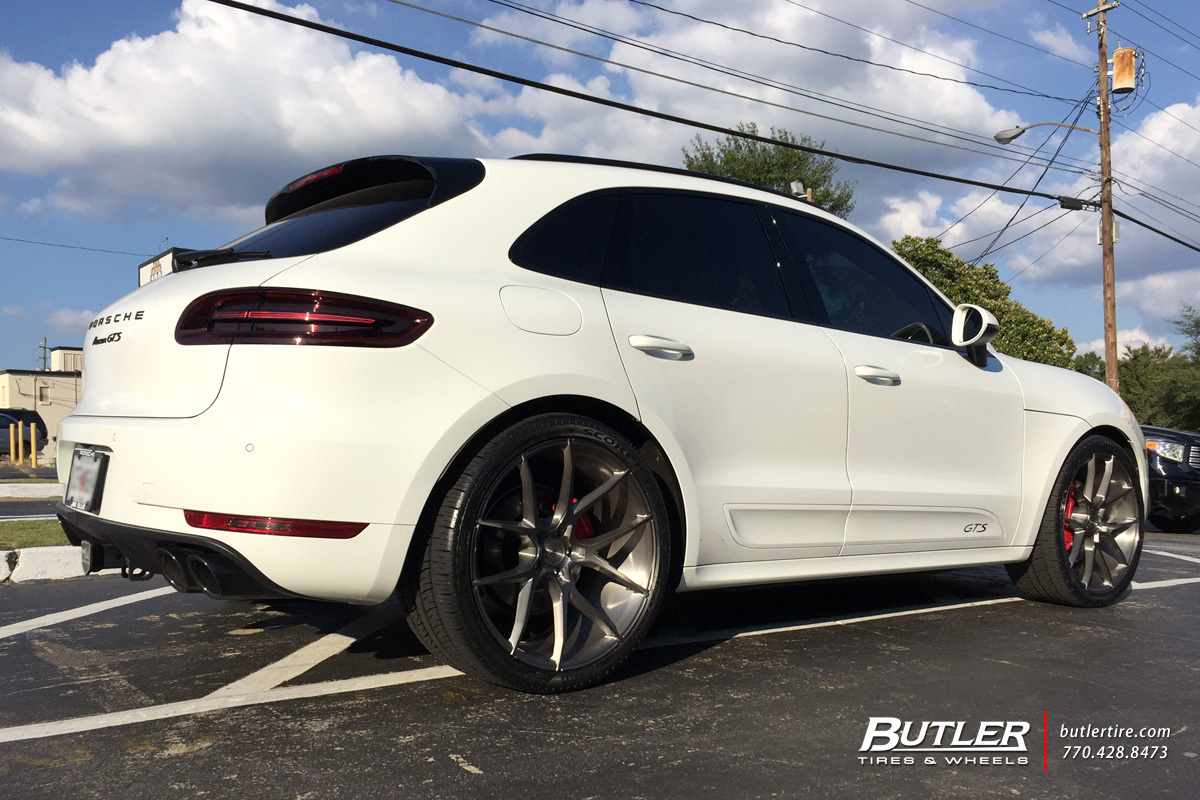 Porsche Macan with 22in Savini BM14 Wheels exclusively ...