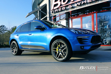 Porsche Macan with 22in Savini BM7 Wheels