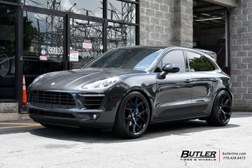 Porsche Macan with 22in Vossen HF-5 Wheels
