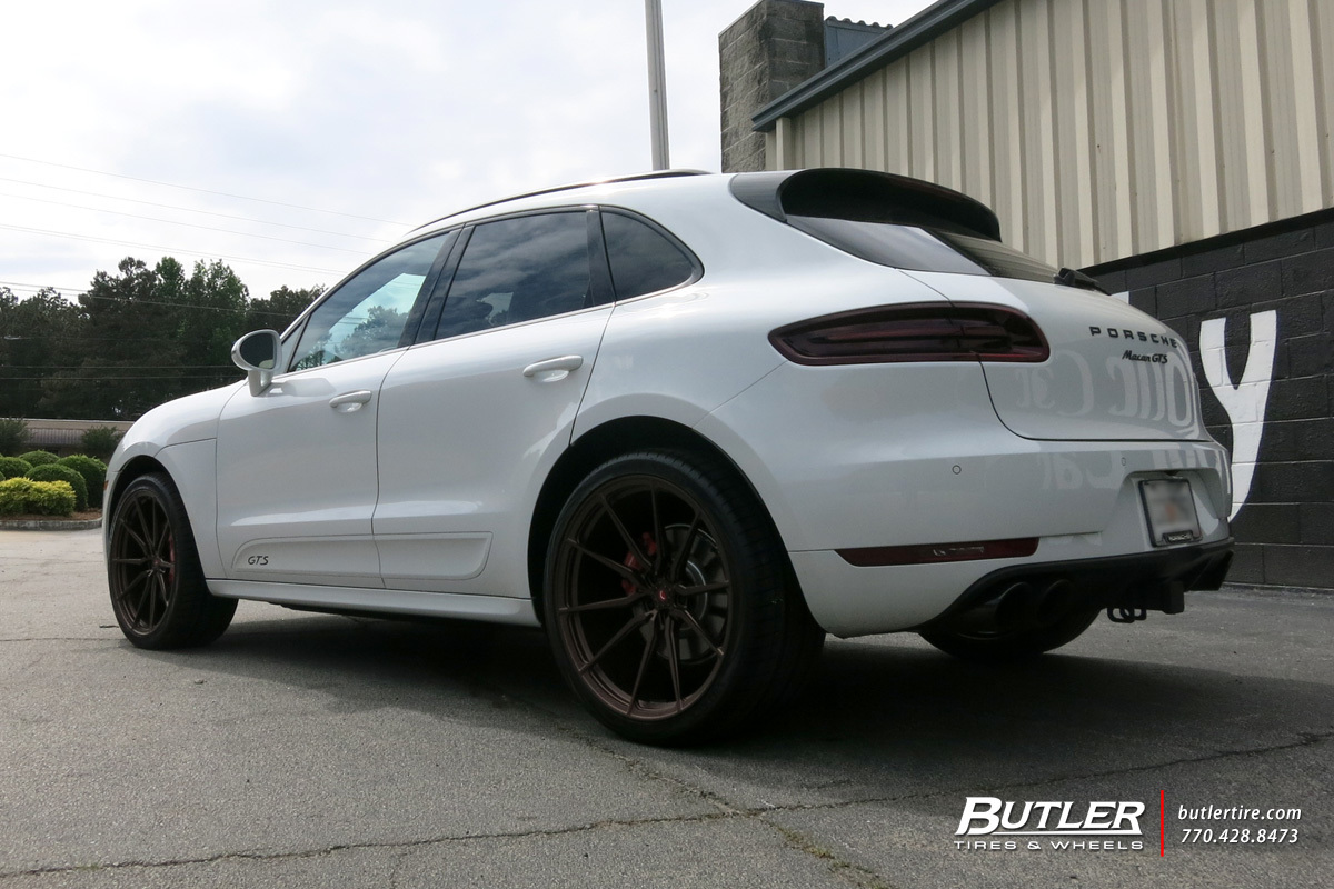 Porsche Macan with 22in Vossen M-X2 Wheels