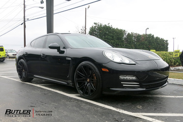 Porsche Panamera with 21in XO Milan Wheels