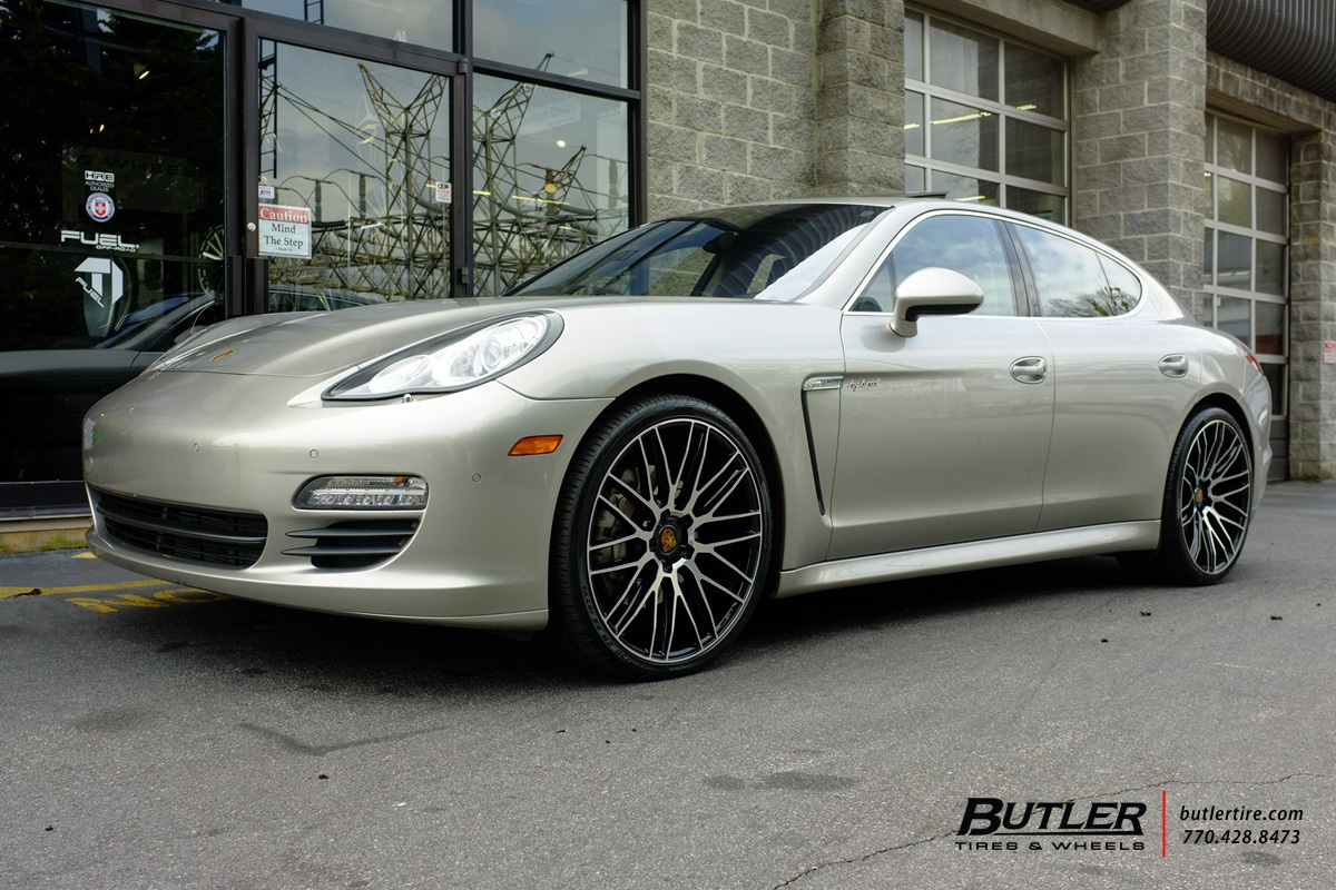 Porsche Panamera with 22in Savini BM13 Wheels