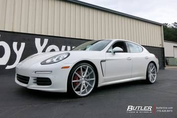 Porsche Panamera with 22in Vossen VFS1 Wheels