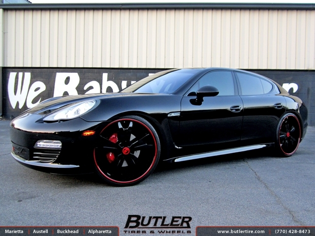 Porsche Panamera with 24in Forgiato Aguzzo Wheels