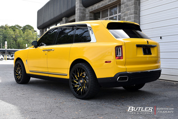 Rolls Royce Cullinan with 24in Forgiato Blocco Wheels