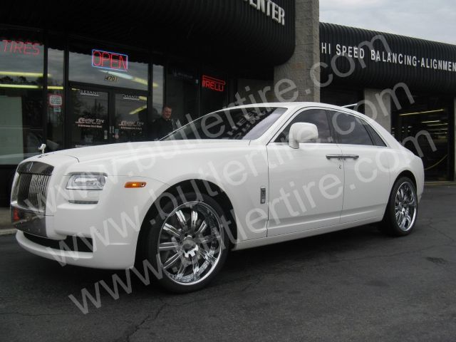 Rolls Royce Ghost with 22in Mint X Wheels