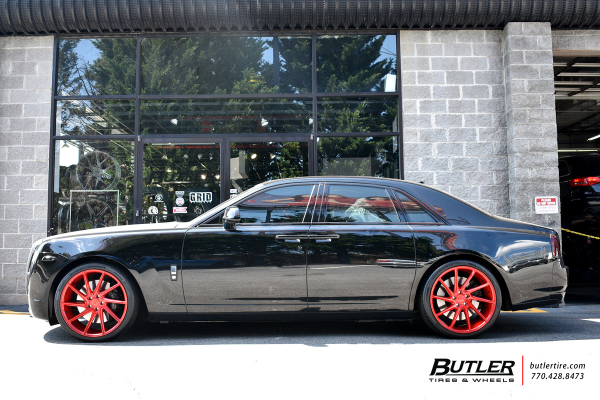 Rolls Royce Ghost with 22in Savini BM15 Wheels