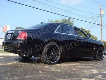 Rolls Royce Ghost with 22in Symbolic SC10 Wheels