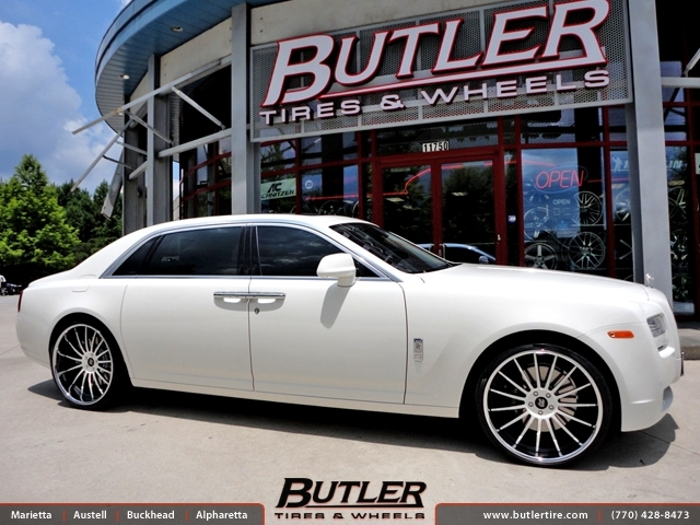 Rolls Royce Ghost with 24in GFG Pompeii Wheels
