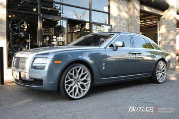 Rolls Royce Ghost with 24in Vossen HF-2 Wheels