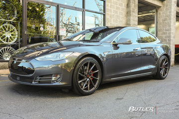 Tesla Model S with 20in Vossen CVT Wheels