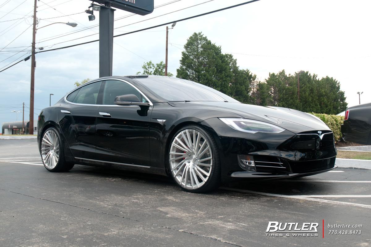 Tesla Model S With 22in Lexani M119 Wheels