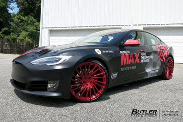 Tesla Model S with 22in Lexani M119 Wheels