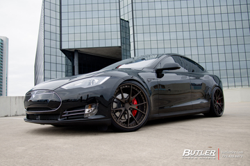 Tesla Model S with 22in Niche Stuttgart Wheels