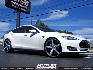 Tesla Model S with 22in Vossen CV3 Wheels