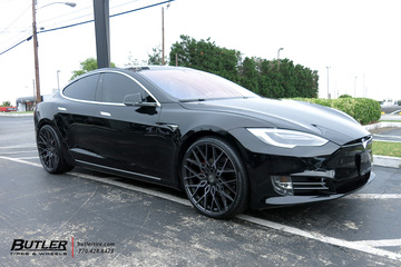 Tesla Model S with 22in XO Phoenix Wheels