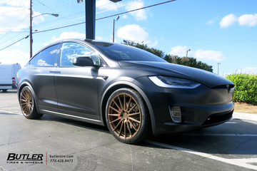 Tesla Model X with 22in Avant Garde M615 Wheels