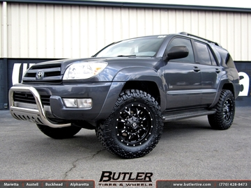 Toyota 4Runner with 18in Fuel Krank Wheels