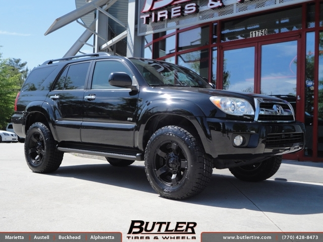 Toyota 4Runner with 18in XD Rockstar II Wheels