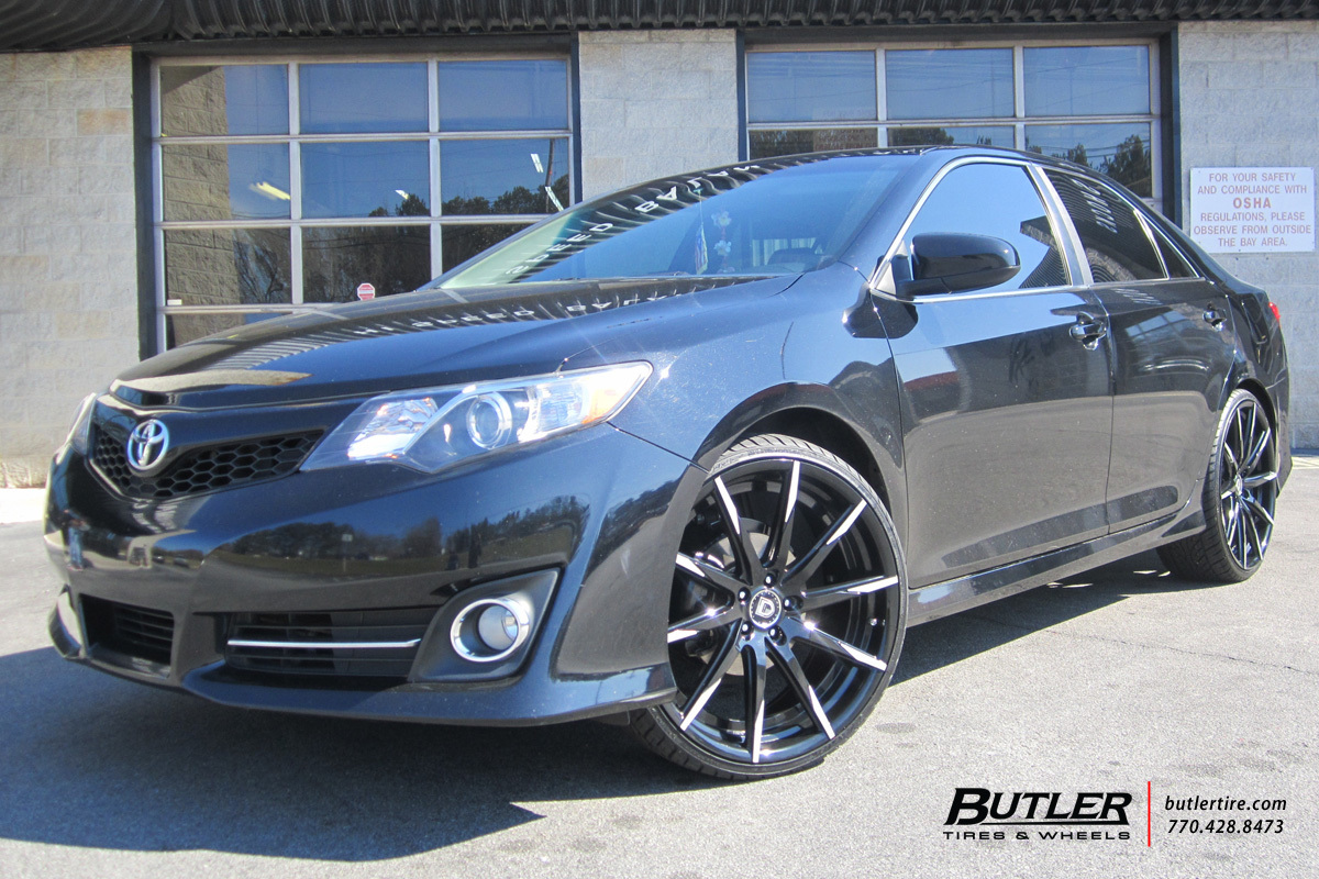 Toyota Camry with 22in Lexani CSS15 Wheels
