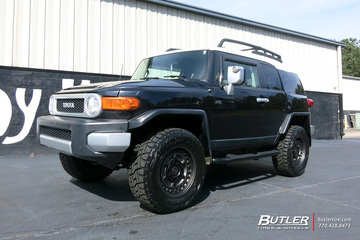 Toyota FJ Cruiser with 20in Black Rhino Armory Wheels