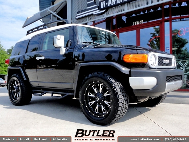 Toyota FJ Cruiser with 20in Fuel Throttle Wheels