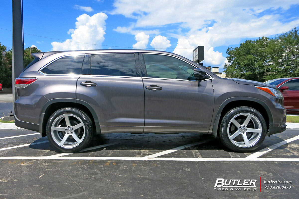 Toyota Highlander With 20in Vossen Cv3 R Wheels