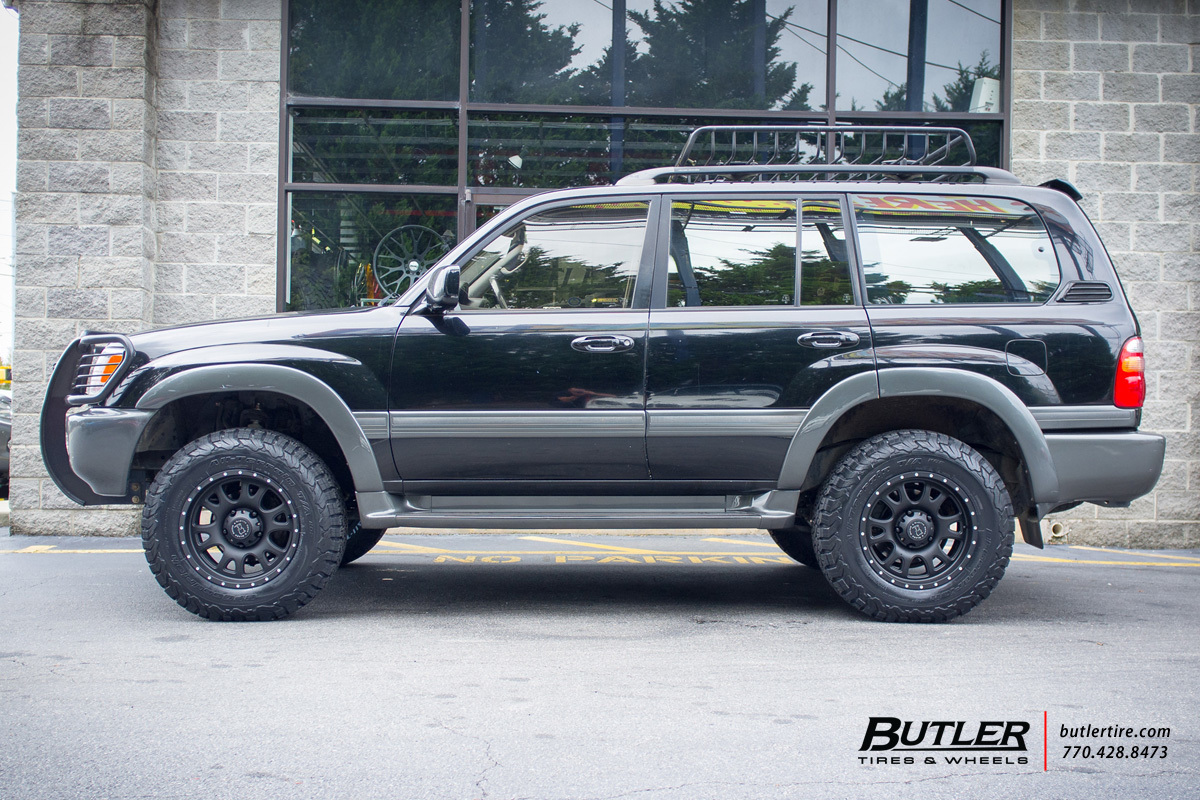 Toyota Landcruiser with 18in Black Rhino Lucerne Wheels