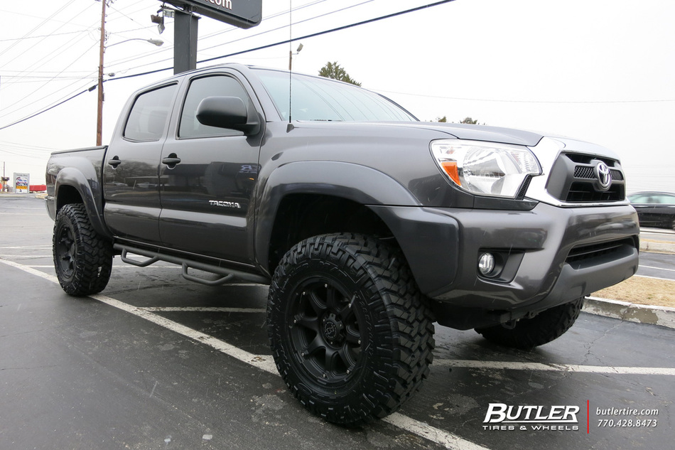 toyota tacoma with 17in black rhino glamis wheels. Black Bedroom Furniture Sets. Home Design Ideas