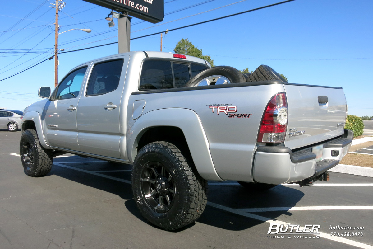 Toyota Tacoma with 17in Fuel Coupler Wheels