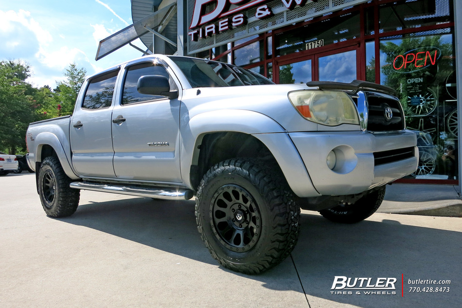 Toyota Tacoma With 17in Fuel Vector Wheels Exclusively