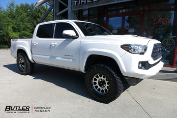 Toyota Tacoma with 17in Method Race 305 NV Wheels