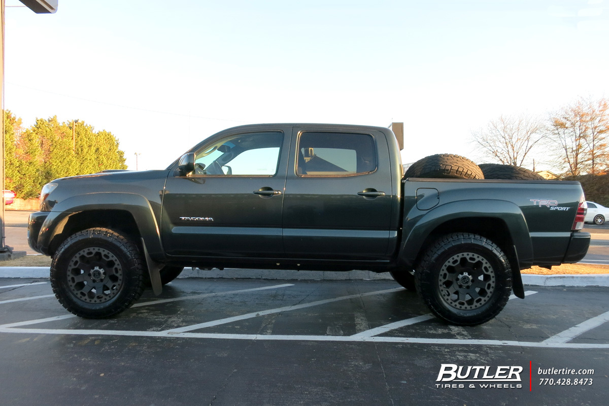 toyota tacoma with 18in black rhino warlord wheels. Black Bedroom Furniture Sets. Home Design Ideas