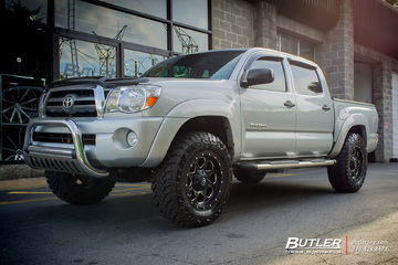 Toyota Tacoma with 18in Fuel Boost Wheels