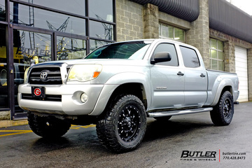 Toyota Tacoma with 18in Fuel Krank Wheels