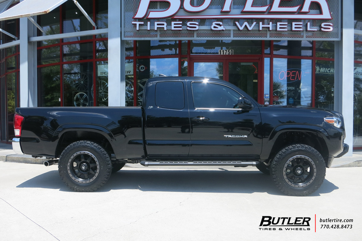Toyota Tacoma with 18in Fuel Trophy Wheels