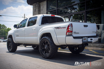Toyota Tacoma with 20in Fuel Hostage Wheels