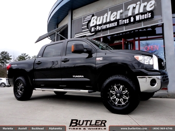 Toyota Tundra with 18in Fuel Hostage Wheels