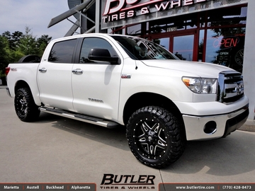 Toyota Tundra with 20in Fuel Full Blown Wheels