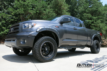 Toyota Tundra with 20in Fuel Trophy Wheels