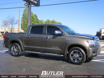 Toyota Tundra with 20in Moto Metal Wheels