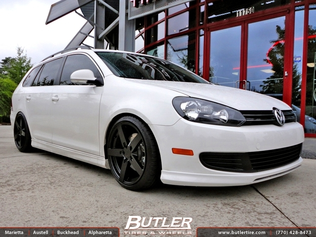 VW Jetta with 18in Mandrus Arrow Wheels