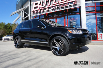 VW Touareg with 22in Lexani R-Five Wheels