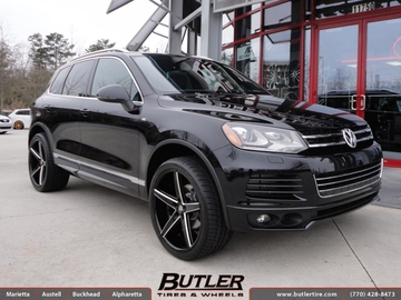 VW Touareg with 22in Lexani R-Four Wheels