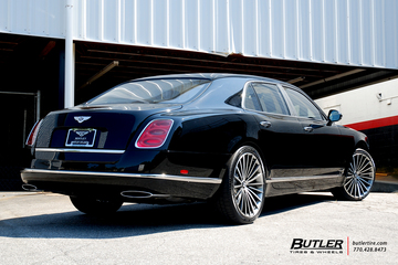 Bentley Mulsanne with 22in Lexani LF Forged LF-722 Wheels