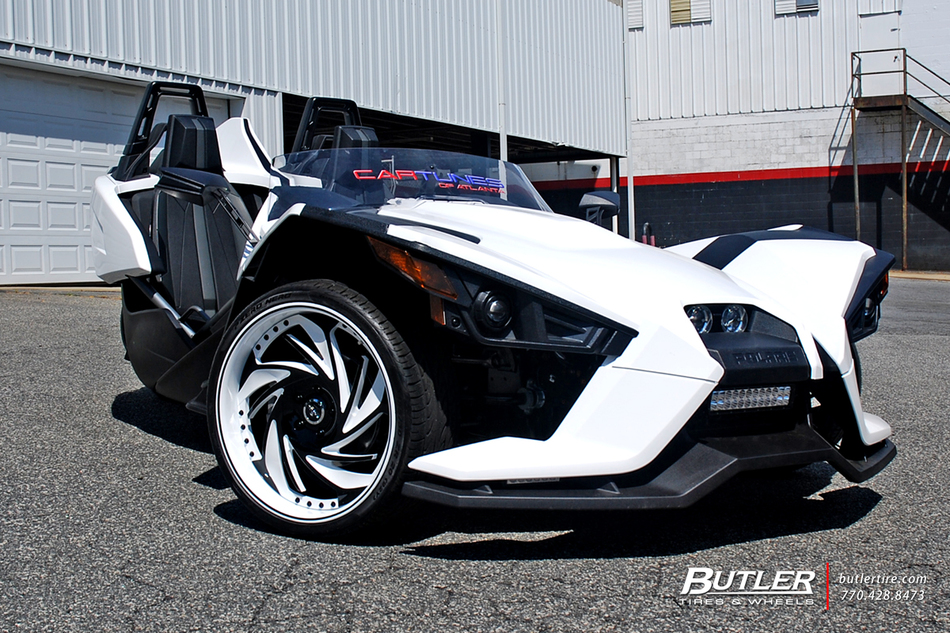 Polaris Slingshot On 20in Savini Carpi Wheels And Pirelli Tires 1