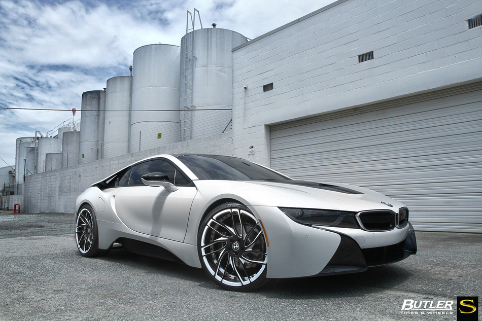 BMW I8 On Custom Painted Savini SV62d Wheels