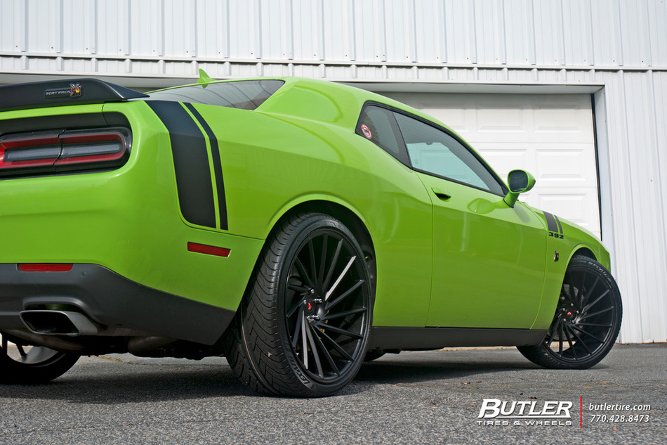 Dodge Challenger Rt Scat Pack With 22in Vossen Vps 305 T Wheels And Lexani Tires 17